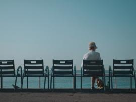 Uit het oog, uit het hart. Over eenzaamheid en geestelijke gezondheid bij ouderen. Congres ouderenpsychiatrie 28 oktober 2021. UPC KU Leuven